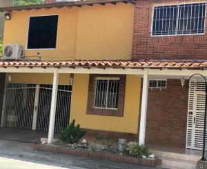 Townhouse En Ventaen Guatire, Villa Avila, Venezuela, VE RAH: 20-21411