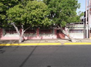 Local Comercial En Ventaen Coro, Centro, Venezuela, VE RAH: 20-21482