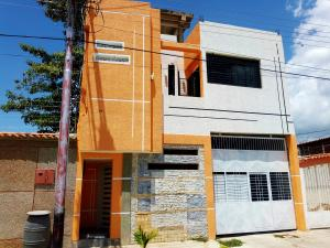 Casa En Ventaen Turmero, San Pablo, Venezuela, VE RAH: 20-21541