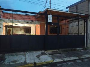 Casa En Ventaen Valencia, San Blas, Venezuela, VE RAH: 20-21544