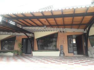 Townhouse En Ventaen Municipio Naguanagua, Manongo, Venezuela, VE RAH: 20-21558