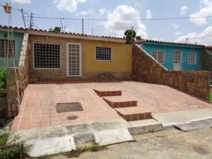 Casa En Ventaen Cabudare, Parroquia José Gregorio, Venezuela, VE RAH: 20-21555