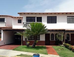 Casa En Ventaen Margarita, Sector San Lorenzo, Venezuela, VE RAH: 20-21630