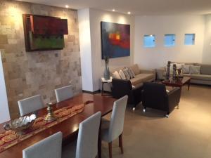 Apartamento En Ventaen Ciudad Ojeda, Calle Piar, Venezuela, VE RAH: 20-21698