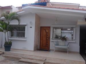 Casa En Ventaen Valencia, La Trigaleña, Venezuela, VE RAH: 20-21606