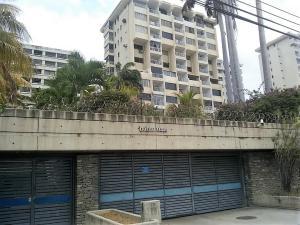 Apartamento En Ventaen Parroquia Caraballeda, Los Corales, Venezuela, VE RAH: 20-21619