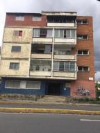 Apartamento En Ventaen Caracas, Los Chaguaramos, Venezuela, VE RAH: 20-21641