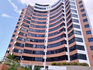 Apartamento En Ventaen Parroquia Caraballeda, La Llanada, Venezuela, VE RAH: 20-21701