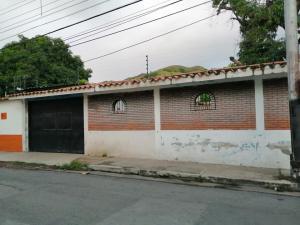 Casa En Ventaen Maracay, La Cooperativa, Venezuela, VE RAH: 20-21746