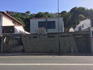 Casa En Ventaen Caracas, Los Naranjos Del Cafetal, Venezuela, VE RAH: 20-22135