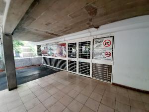 Local Comercial En Ventaen Caracas, Las Mercedes, Venezuela, VE RAH: 20-21808