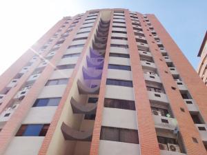 Apartamento En Ventaen Valencia, La Trigaleña, Venezuela, VE RAH: 20-21840