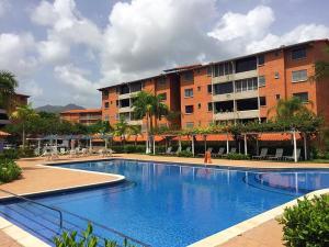 Apartamento En Ventaen Guatire, Sector San Pedro, Venezuela, VE RAH: 20-21854