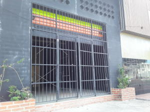 Local Comercial En Alquileren Maracay, San Ignacio, Venezuela, VE RAH: 20-21886