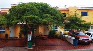 Townhouse En Ventaen Maracaibo, Santa Fe, Venezuela, VE RAH: 20-5465