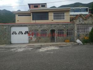 Casa En Ventaen Municipio San Diego, Altos De La Esmeralda, Venezuela, VE RAH: 20-21910
