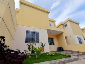 Casa En Ventaen Cabudare, Trapiche Villas, Venezuela, VE RAH: 20-21921