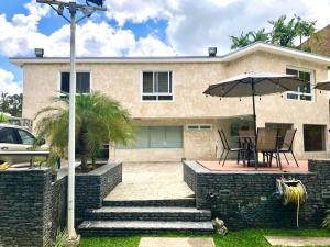 Casa En Ventaen Caracas, Altamira, Venezuela, VE RAH: 20-21942