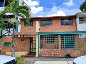 Casa En Ventaen Caracas, Santa Cecilia, Venezuela, VE RAH: 20-22085