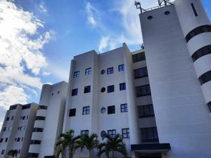 Apartamento En Ventaen Caracas, Santa Ines, Venezuela, VE RAH: 20-22022