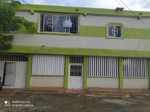Casa En Ventaen Maracaibo, Lomas Del Valle 2, Venezuela, VE RAH: 20-22033