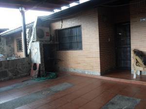 Casa En Ventaen Municipio San Diego, Tiziana Villas, Venezuela, VE RAH: 20-22045