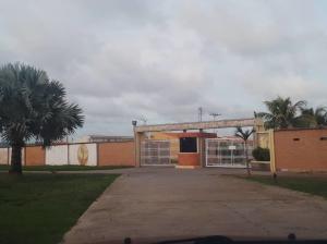 Casa En Ventaen Tucacas, Tucacas, Venezuela, VE RAH: 20-22067