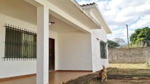 Casa En Alquileren El Tigre, Centro, Venezuela, VE RAH: 20-22106