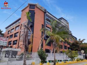 Local Comercial En Alquileren Maracay, Las Delicias, Venezuela, VE RAH: 20-22111