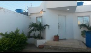 Casa En Ventaen Punto Fijo, Puerta Maraven, Venezuela, VE RAH: 20-22120