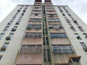 Apartamento En Ventaen Valencia, Lomas Del Este, Venezuela, VE RAH: 20-22216