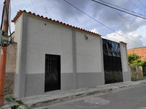 Casa En Ventaen Valencia, Lizandro Alvarado, Venezuela, VE RAH: 20-22183
