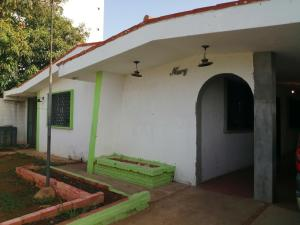 Casa En Ventaen Municipio San Francisco, La Coromoto, Venezuela, VE RAH: 20-22280