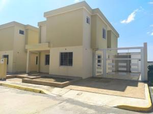 Casa En Ventaen Cabudare, Trapiche Villas, Venezuela, VE RAH: 20-22354