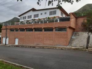 Casa En Ventaen Municipio San Diego, La Esmeralda, Venezuela, VE RAH: 20-22406