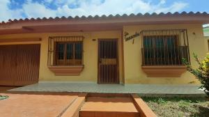 Casa En Ventaen Valencia, Trigal Norte, Venezuela, VE RAH: 20-22362