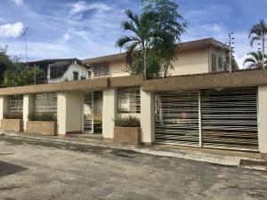Casa En Ventaen Caracas, La Lagunita Country Club, Venezuela, VE RAH: 20-22427