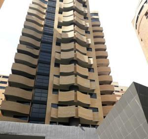 Apartamento En Ventaen Valencia, La Trigaleña, Venezuela, VE RAH: 20-22455
