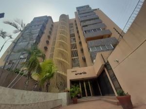 Apartamento En Ventaen Maracaibo, Santa Maria, Venezuela, VE RAH: 20-22460