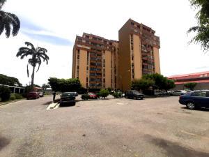 Apartamento En Alquileren Cabudare, Centro, Venezuela, VE RAH: 20-22461