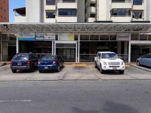 Local Comercial En Ventaen Guatire, Frutas Condominio, Venezuela, VE RAH: 20-22529