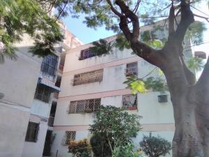 Apartamento En Alquileren Maracay, Las Acacias, Venezuela, VE RAH: 20-22505