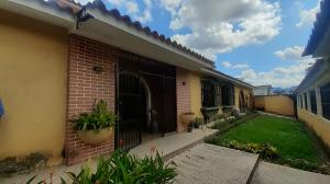Casa En Ventaen Valencia, Trigal Centro, Venezuela, VE RAH: 20-22526