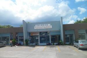 Local Comercial En Alquileren Municipio Los Guayos, Paraparal, Venezuela, VE RAH: 20-22532