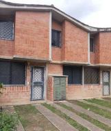Townhouse En Ventaen Charallave, Valles De Chara, Venezuela, VE RAH: 20-22533
