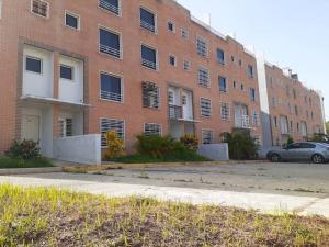 Apartamento En Ventaen Charallave, Los Laureles Country, Venezuela, VE RAH: 20-20997