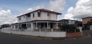 Casa En Ventaen Ciudad Bolivar, Av San Vicente De Paúl, Venezuela, VE RAH: 20-22565