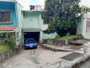 Casa En Ventaen Caracas, Lomas De La Trinidad, Venezuela, VE RAH: 20-22572