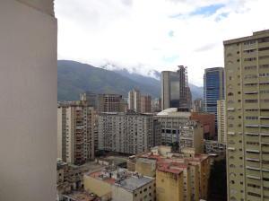 Apartamento En Ventaen Caracas, Parroquia La Candelaria, Venezuela, VE RAH: 20-22582