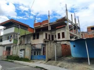 Casa En Ventaen Guatire, Guatire, Venezuela, VE RAH: 20-22592